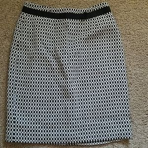 Women's Size 4 Worthington Black & White Skirt